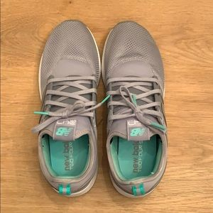 New Balance 247 REVlite green and grey sneakers